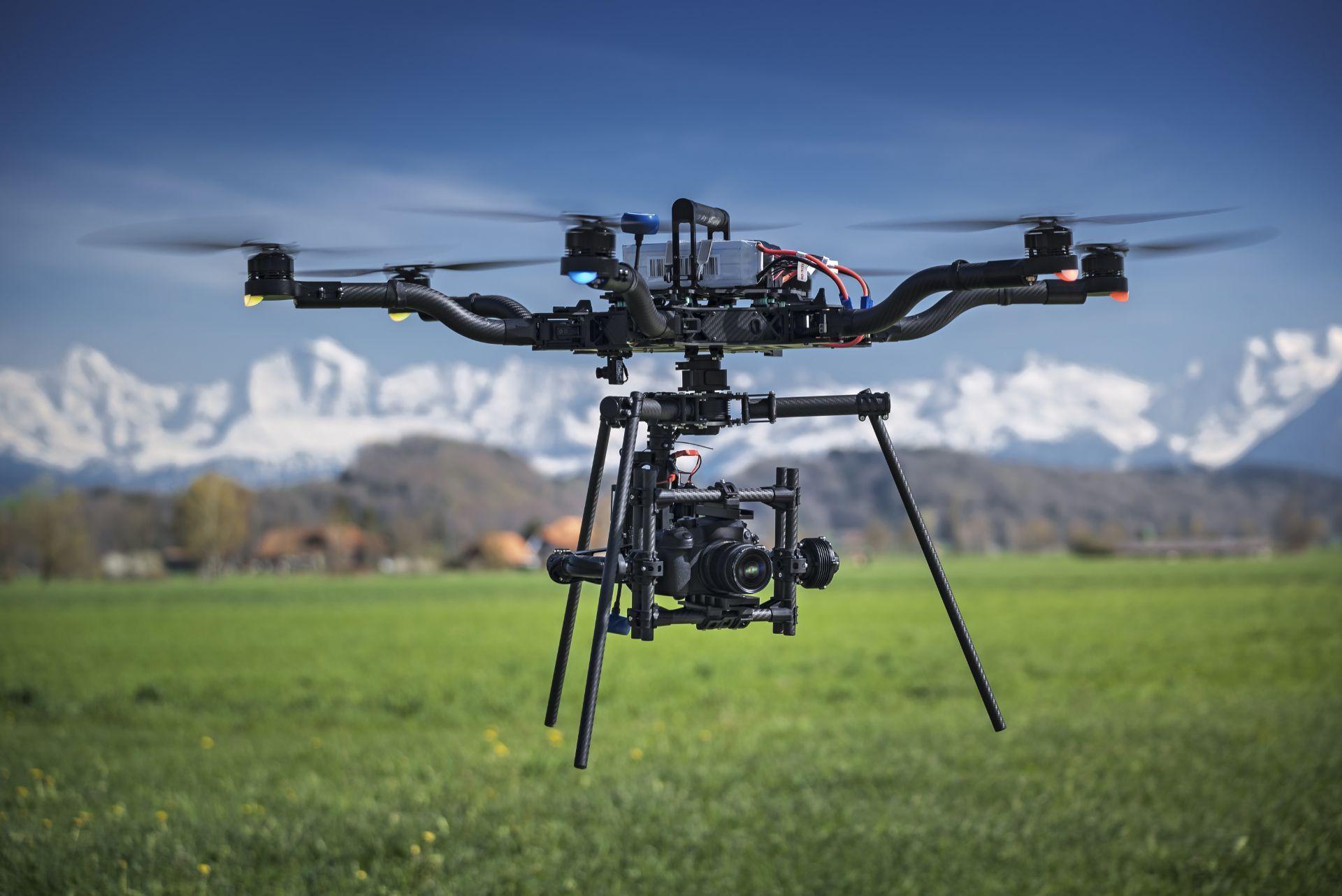 Assumere operatori di droni Heavylift